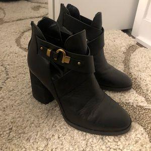Isola black boots